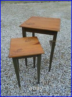 2-Pc Nesting Table Set Big Sky Carvers Pinecone accents Olive Green Rare Cabin