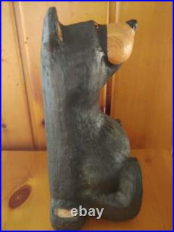 Big Sky Carvers Jeff Fleiming Bearfoots Wood carved Pine Sitting Black Bear