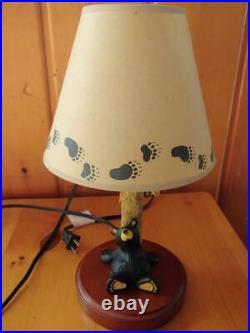 Big Sky Carvers Jeff Fleming Bearfoots Honey Tree Lamp & Bear Tracks Shade