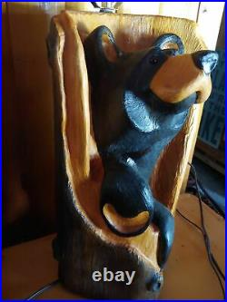 Big Sky Carvers Jeff Fleming Bearfoots Pine Wood Carved Black Bear Bandit Lamp