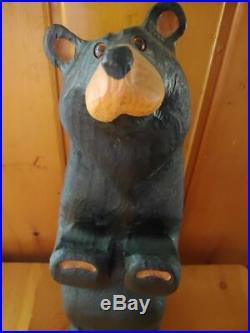 Big Sky Carvers Jeff Fleming Bearfoots Wood Carved Welcome Bear Sign Holder