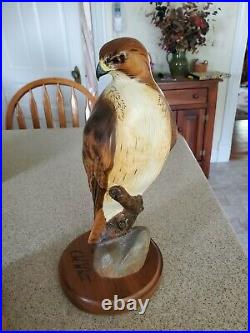 Big sky Carvers Redtail Hawk masters edition by K. W. White Ken White