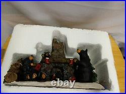 RARE Big Sky Carvers BEARFOOTS BEAR By Jeff Fleming CHRISTMAS EVE Figurine GUC